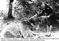 Wojtek The Bear with Polish actress and dancer Elżbieta Niewiadowska Wojtek Bear, Poland Ww2, Animal Heros, My Heritage, North Africa, Military History, Retro, World War Two, Wwii