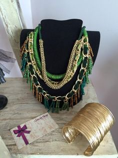 multi necklace green & gold.
