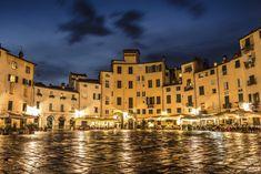 Piazza-dellAnfiteatro-Lucca-Olivers Travel's