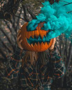 autumn-n-ny:Smoke bomb pumpkins 🎃Happy Halloween Witches! Photographie D' Halloween, Halloween Fotografie, Halloween Fotos, Fall Halloween, Halloween Witches, Halloween Halloween, Halloween Costumes, Halloween Tumblr, Halloween Fabric