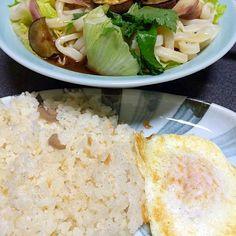 ヤッターーー!目玉焼きがのってるーー!(ターンオーバー) #夕飯 - 11件のもぐもぐ - サラダうどん、シーチキン炊き込みご飯 by ms903