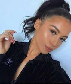 - Makeup looks - Make-up Glowy Makeup, Kiss Makeup, Hair Makeup, Makeup On Fleek, Beauty Make-up, Beauty Skin, Hair Beauty, Makeup Inspo, Makeup Inspiration