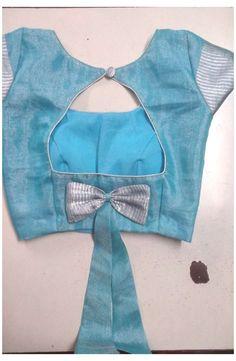 Blouse Back Neck Designs, Simple Blouse Designs, Stylish Blouse Design, Blouse Simple, Kids Blouse Designs, Hand Designs, Sari Design, Designer Kurtis, Designer Sarees