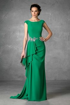 Godmother and party dresses with excellent finishes and quality. Evening Dresses, Prom Dresses, Formal Dresses, Wedding Dresses, Bride Dresses, Elegant Dresses, Pretty Dresses, Godmother Dress, Formal Wear