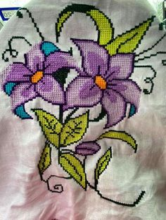 Home Decor ideas &Home Garden & Diy Cross Stitch Patterns, Hat Patterns, Crochet Hats, Diy Crafts, Model, Cross Stitch Borders, Cross Stitch Flowers, Cross Stitch Rose, Country Homes Decor
