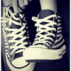 Converse All Star shoes Studded Converse, Red Converse, Converse Sneakers, Converse All Star, High Top Sneakers, Studded Sneakers, Converse High, Rock Style, Rock Chic