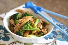 Tender strips of chicken, and hot, crisp vegetables are combined with an Asian inspired sauce in this Ginger Chicken and Broccoli Stir Fry. This is one of the easiest and most popular ways that I Chicken Broccoli Stir Fry, Asian Recipes, Healthy Recipes, Healthy Meals, Delicious Recipes, Ginger Chicken, Sesame Chicken, Stir Fry Recipes, Wok Recipes