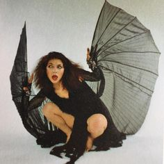 Kate Bush and the fashion world have had a long-standing love affair. The British singer, who celebrates a birthday today, is a favorite of designers like Alexander McQueen, and her music has accompanied many runway shows. Pop Punk, Divas, Elsa Beskow, Arte Horror, Alphonse Mucha, Foto Art, Portraits, Music Icon, New Wave