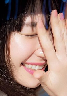 新垣結衣 : 顔アップ特集 [綺麗な女優・アイドル・モデル、芸能人の顔アップ画像研究所(顔面アップ同好会~顔好きによる顔好きのための好きサイト)] Mabel Chee, Art Reference Poses, Cool Girl, Romantic, Actresses, Portrait, Cute, Aragaki Yui, Sweetie Belle