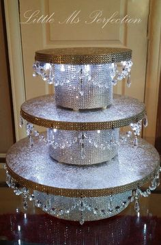 Diamante Crystal Garland Light Up Wedding Cake Stand Pedestal Gold Diy Wedding Cake, Wedding Cake Stands, Bling Wedding, Wedding Cupcakes, Wedding Cake Toppers, Wedding Themes, Wedding Photos, Crystal Garland, Light Garland
