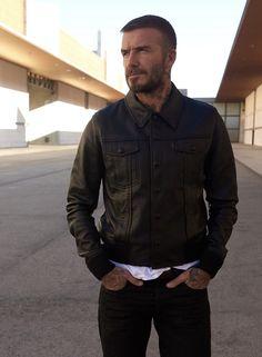 David Beckham Style, Hair And Beard Styles, Style Men, Manchester United, All Black, Gentleman, Attitude, Fashion Inspiration, Men's Fashion