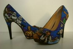 I would so wear these Star Wars shoes. In fact, I have a pair of black flats that I'm thinking of pimping out with the Star Wars goodness. Zapatillas Star Wars, Crazy Shoes, Me Too Shoes, Weird Shoes, Funky Shoes, Starwars, Star Wars Shoes, Star Wars Crafts, Geek Crafts