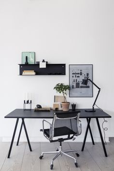 Home Office Ideas for Small Spaces. Minimal small home office size is not an obstacle for workers or entrepreneurs to do business. Currently, when you already have a mobile phone and . Home Desk, Home Office Space, Home Office Desks, Office Workspace, Loft Office, Small Office, Office Spaces, Work Spaces, Decoration Bedroom
