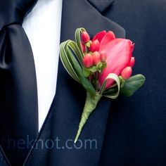 Mini red calla lily boutonniere | Onada Photography | In Full Bloom
