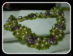 Love this Garden Bracelet Pattern! it really goes with the Purple Garden Necklace