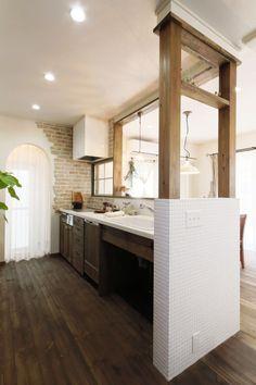 吹き抜けのあるカフェのようなお家 Kitchen Interior Inspiration, Door Design, House Design, Japanese House, Cozy House, Kitchen Dining, Beautiful Homes, Sweet Home, Windows And Doors