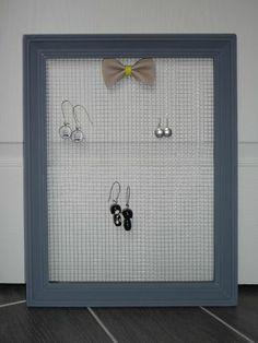 diy cadre porte boucles d 39 oreilles diy cintre cadre plateau pinterest bijoux bijoux et. Black Bedroom Furniture Sets. Home Design Ideas