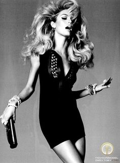 Big hair and liquid eyeliner... Ain't no better thang Candice Swanepoel