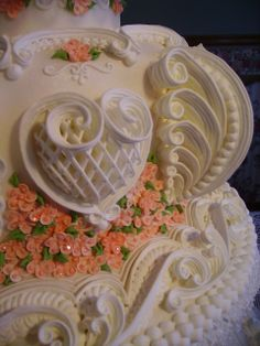 http://cakecentral.com/g/i/1886710/peach-lambeth-cake/flat/1/sort/upload_time/