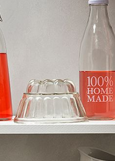 A practical jelly mould crafted in glass