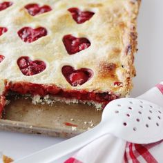 This strawberry heart slab pie is perfect for Valentine's Day OR Mother's Day!