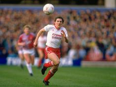 Peter Beardsley, in the rare white-red-red combination! Liverpool Players, Liverpool Fans, Liverpool Football Club, Football Fans, Peter Beardsley, John Aldridge, Ian Rush, Kenny Dalglish, Number 7