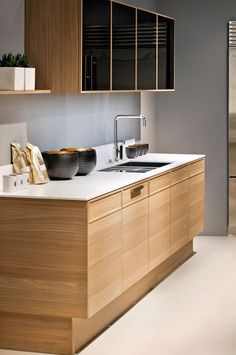 The beauty of a Poggenpohl kitchen lies in the seemingly endless variety of options for design configuration and finish combinations.  We build our kitchens individually for each customer, so we need to find the best wood for each one and purchase lengths that will help achieve the right result.              #EDITION #Poggenpohl #kitchen   // Know more about this concept: https://www.poggenpohl.com/en/products/edition/