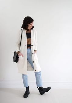 Style Bee - BLUNDSTONE REVIEW + STYLING IDEAS Blundstone Boots Women, Fall Capsule Wardrobe, Sweater Coats, Clothes For Women, How To Wear, Country Casual, Beautiful Clothes, Becca, Workwear