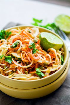 Easy Carrot Celeriac Spiralized Salad ~ This root vegetable spiraled salad is s simple and healthy to make, not to mention delicious! A paleo, vegan, and low-carb noodle salad option you can make in under 30 minutes! Whole30 Diet Recipes, Vegetarian Recipes, Delicious Recipes, Yummy Food, Healthy Summer Recipes, Healthy Dishes, Simple Recipes, Veggie Dishes, Tomato Salad Recipes