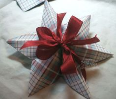 No Hassle Paper Star for Christmas ornaments or topping packages. Free tutorials at www.songofmyheartstampers.com