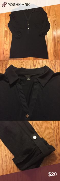 EUC Ann Taylor cotton camp shirt Semi fitted collared camp style top with 3/4 roll sleeves. Gold button detailing. Worn maybe twice- excellent condition. No fading, pulling or stains. Smoke free home. Ann Taylor Tops Button Down Shirts