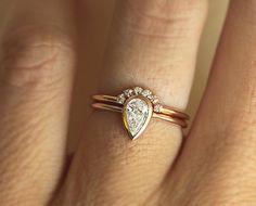 Rose gold diamond set. Feminine set for alternative bride. You can choose 1 color set or mixed metals set. You can choose more pointy or more full pear