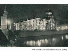Berlin Palace at night, Schlossplatz, 10178 Berlin - Mitte (1930)