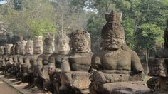 Incredible, surprising, Angkor Wat - Devas and Asuras. The churning of the ocean of milk in order to get Amrita