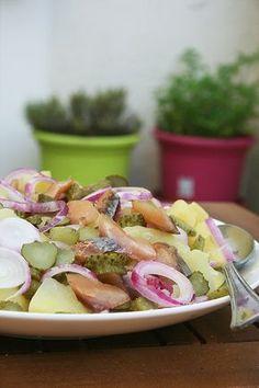 Salade de pommes de terre au hareng - passion culinaire Actifry, Barbecue, Salad Recipes, Potato Salad, Entrees, Salads, Menu, Yummy Food, Cooking