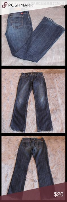 """Lucky Brand Dungarees Size 6/28 Regular Inseam. Lucky Brand Dungarees size 6/28 with a regular inseam.  Excellent condition with small amount of wear on hem.  Measures 8"""" rise and 30"""" in length. Lucky Brand Jeans Straight Leg"""