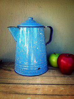 Coffee Pot - Light Blue Enamelware - Large Enamel Coffeepot - White Speckled Enamel Ware - Vintage Graniteware -Farmhouse - Robin's Egg Blue