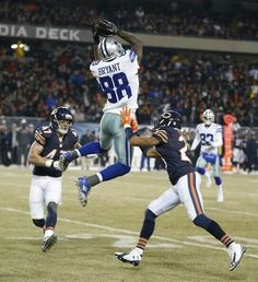 Dez doing what Dez does best! Cowboys vs Bears December 4, 2014