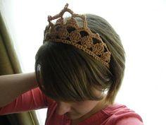 Traditionally Emily: Princess in Disguise Pattern Tiara Crochet Princess, Crochet Girls, Cute Crochet, Crochet For Kids, Crochet Crafts, Crochet Baby, Knit Crochet, Crochet Disney, Crown Pattern