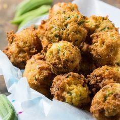 Okra Hush Puppies fry up crispy with little pieces of okra throughout. If you're a lover of fried okra, you are going to love the way okra tastes in hush puppies! These hush puppies have Hush Puppies Rezept, Scones, Fresco, Southern Kitchens, Brunch, Appetizer Recipes, Appetizers, Appetizer Ideas, Southern Recipes