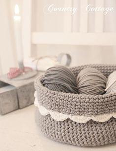 """<a href=""""http://ein-stueck-garten.blogspot.com/2012/01/little-grey-crocheted-basket.html"""">Source</a>"""