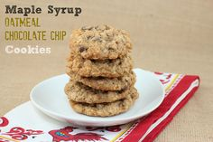 Maple Oatmeal Chocolate Chip Cookies - A great traditional oatmeal chocolate chip cookie (even having subbed half white flour for spelt)