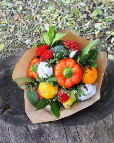 Дождь? Неее, не слышали! У нас цветут овощные букеты и светит солнце в душе! Хорошего настроения, друзья! :) #sovkusomdp #овощнойбукетднепр #днепропетровск #dnepr #букетизовощейднепр #букетизовощей #floraldesign #floristic #veggies #veggiebouquet