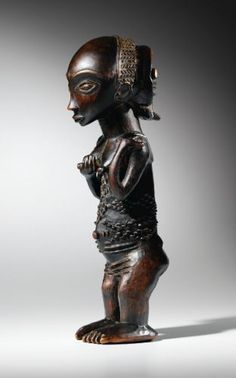 Statue, Luba, République Démocratique du Congo LUBA FIGURE, DEMOCRATIC REPUBLIC OF THE CONGO haut. 30 cm READ note