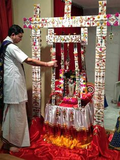 Mandir Decoration, Laddu Gopal Dresses, Krishna Janmashtami, Puja Room, Marriage Decoration, Krishna Images, Indian Festivals, Radhe Krishna, Indian Gods