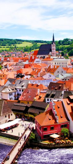 Amazing View over the old Town of Cesky Krumlov, Czech Republic    |   22 Reasons why Czech Republic must be in the Top of your Bucket List...✈...