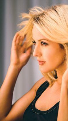 Ellie Goulding, photo, HD (vertical) Celebrity Singers, Female Singers, Girl Bye, Eliza Taylor, Elizabeth Gillies, Flawless Beauty, Ellie Goulding, Glamour, Hollywood Celebrities