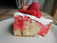 Strawberry Lemonade Cake Recipe. I made this over the weekend and it was pretty tasty and easy to do!