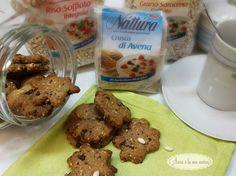 Un mix di #cereali #Náttúra (formato da #riso soffiato, grano #saraceno #soffiato e crusca di #avena) si unisce alla farina e al #cioccolato fondente per dare vita a dei #biscotti croccanti e ricchi di fibre, ottimi per una colazione o merenda nutriente ed equilibrata! #benessere #healthy #recipe