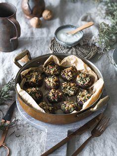 Gefüllte Champignons mit Walnüssen, Granatapfel und Petersilie